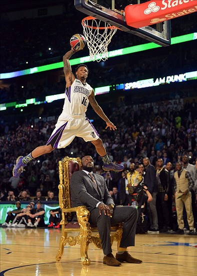 Feb 15, 2014; New Orleans, LA, USA; Sacramento Kings forward Ben McLemore (16) dunks over Shaquille O