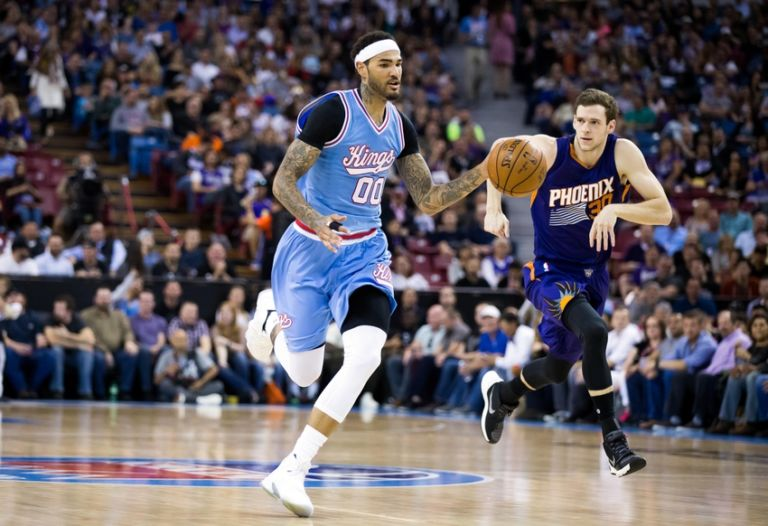 Jon-leuer-willie-cauley-stein-nba-phoenix-suns-sacramento-kings-768x526