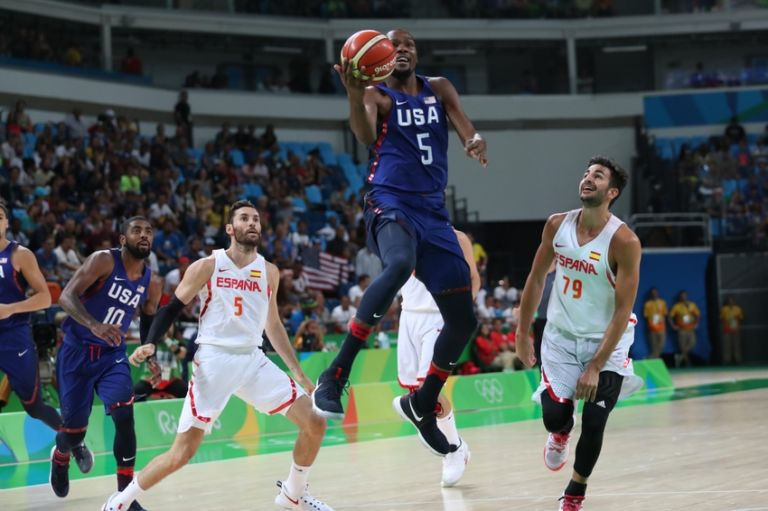 9486183-nilla-fischer-kevin-durant-ricky-rubio-olympics-basketball-men-768x511