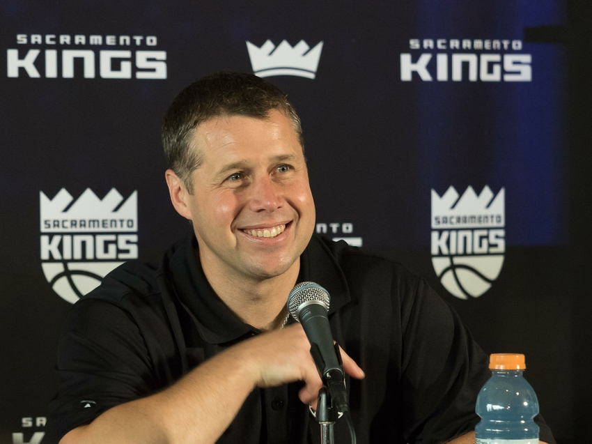 9289103-dave-joerger-nba-sacramento-kings-press-conference