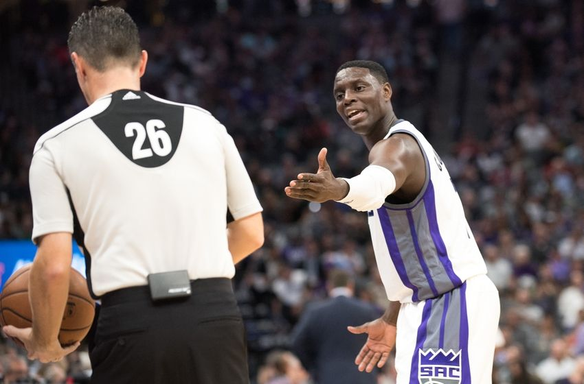 Nov 8, 2016; Sacramento, CA, USA; Sacramento Kings guard Darren Collison (7) argues a call with official Pat Fraher (26) during the fourth quarter against the New Orleans Pelicans at Golden 1 Center. The Sacramento Kings defeated the New Orleans Pelicans 102-94. Mandatory Credit: Ed Szczepanski-USA TODAY Sports
