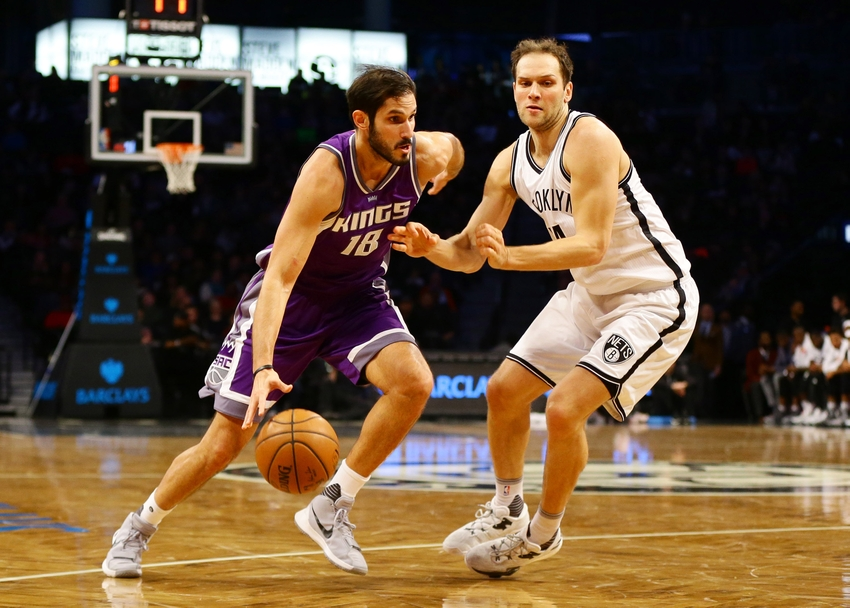 9709993-kosta-koufos-nba-sacramento-kings-brooklyn-nets