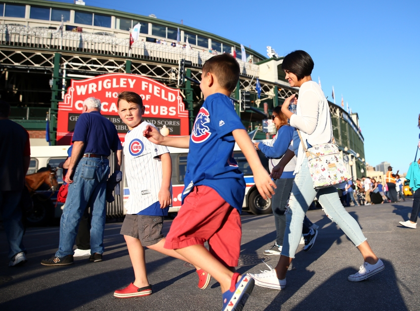 9541013-mlb-milwaukee-brewers-chicago-cubs