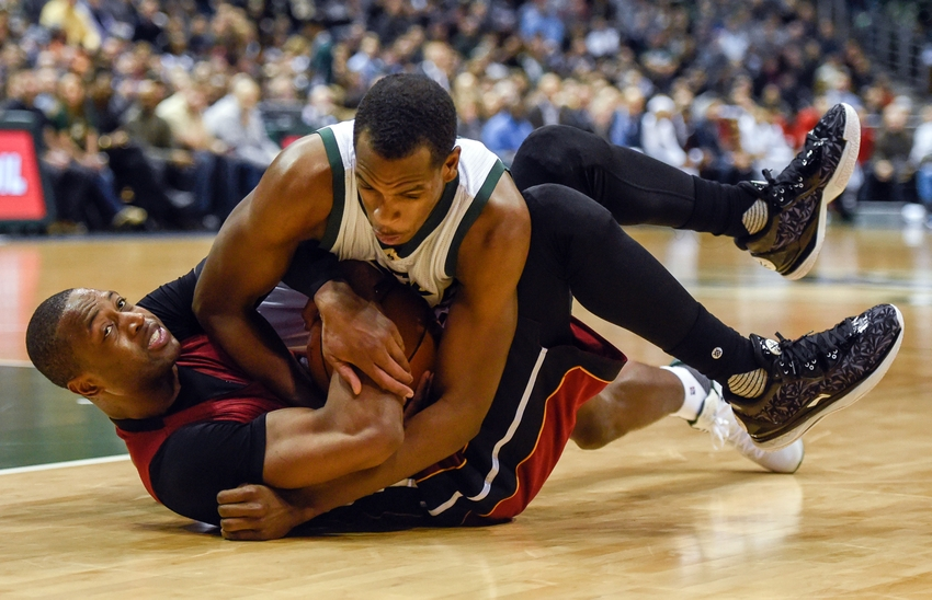 Khris-middleton-dwyane-wade-nba-miami-heat-milwaukee-bucks-1