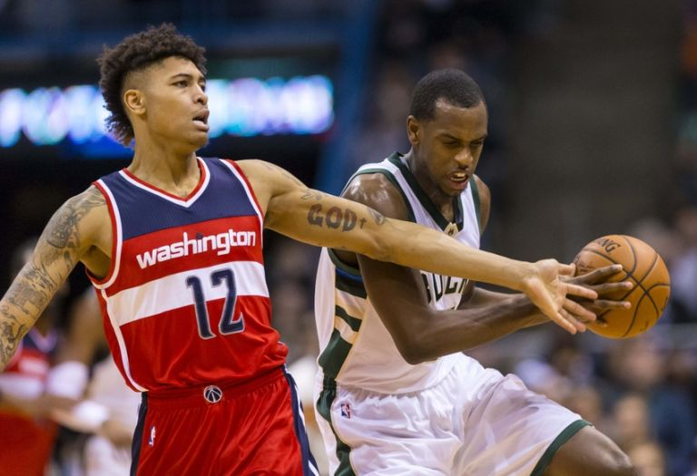 Kelly-oubre-jr-khris-middleton-nba-washington-wizards-milwaukee-bucks-768x0