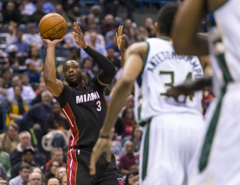 Dwyane-wade-nba-miami-heat-milwaukee-bucks-768x594