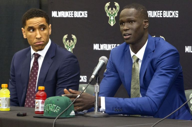 9354482-malcolm-brogdon-nba-milwaukee-bucks-press-conference-768x511