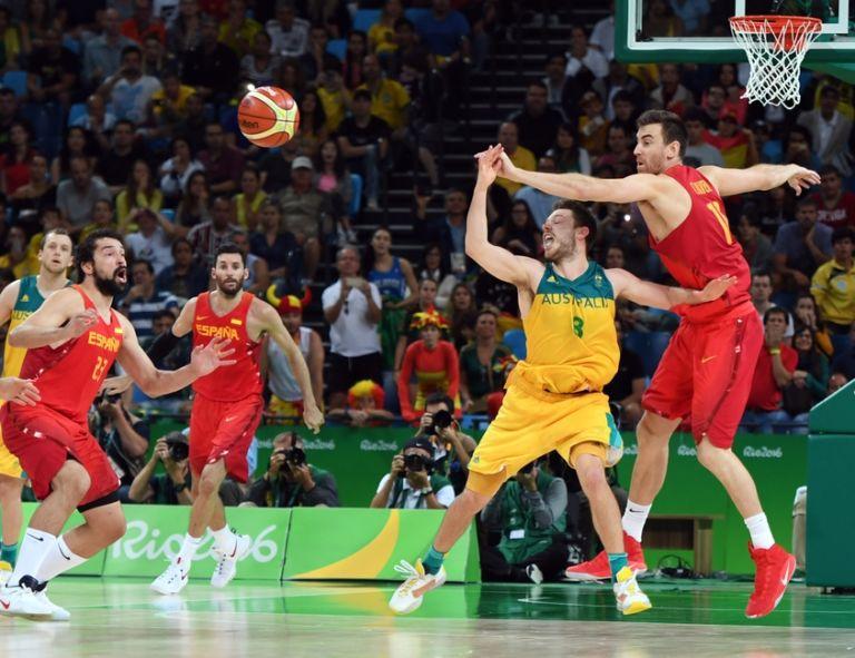 9494824-matthew-dellavedova-victor-claver-olympics-basketball-men-768x591