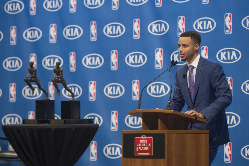 9289208-stephen-curry-nba-stephen-curry-mvp-press-conference