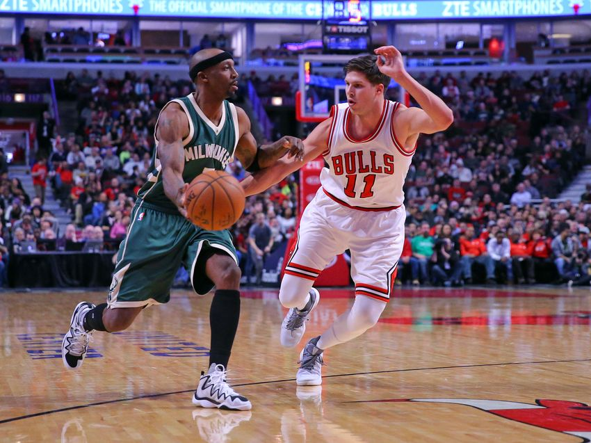 Dec 16, 2016; Chicago, IL, USA; Milwaukee Bucks guard Jason Terry (3) handles the ball defended by Chicago Bulls forward Doug McDermott (11) during the second half at the United Center. Milwaukee won 95-69. Mandatory Credit: Dennis Wierzbicki-USA TODAY Sports