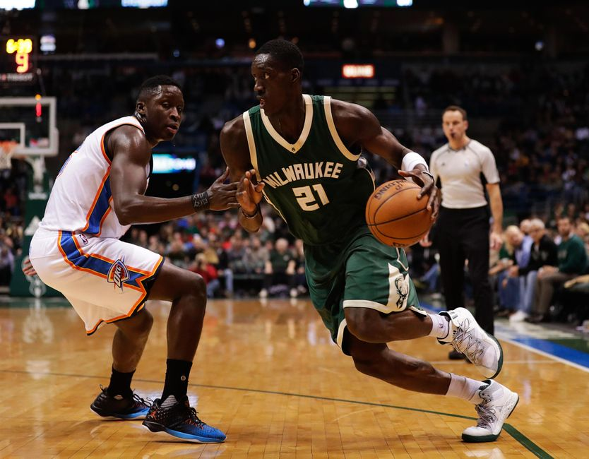 Jan 2, 2017; Milwaukee, WI, USA; Milwaukee Bucks guard Tony Snell (21) during the game against the Oklahoma City Thunder at BMO Harris Bradley Center. Milwaukee won 98-94. Mandatory Credit: Jeff Hanisch-USA TODAY Sports