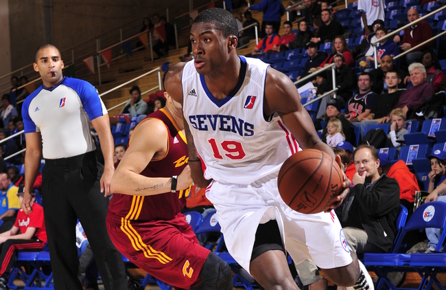 NEWARK, DE - DECEMBER 8: Thanasis Antetokounmpo #19 of the Delaware 87ers drives to the basket against the Canton Charge during the NBA D-League game on December 8, 2013 at the Frank Acierno Arena in Newark, Delaware. NOTE TO USER: User expressly acknowledges and agrees that, by downloading and or using this photograph, User is consenting to the terms and conditions of the Getty Images License Agreement. Mandatory Copyright Notice: Copyright 2013 NBAE (Photo by David Dow/NBAE via Getty Images)