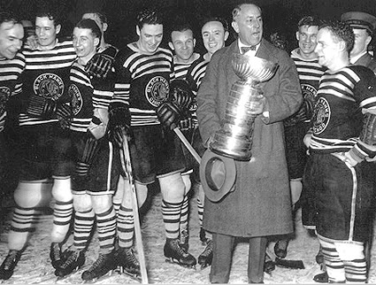 Chicago Blackhawks 1934 Stanley Cup Champions ( picture courtesy of thirdstringgoalie.blogspot.com)