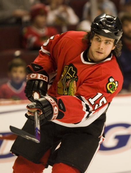 Tuomo Ruutu #15 Chicago Blackhawks (Picture Courtesy of Hockey.Dobberssports.com)