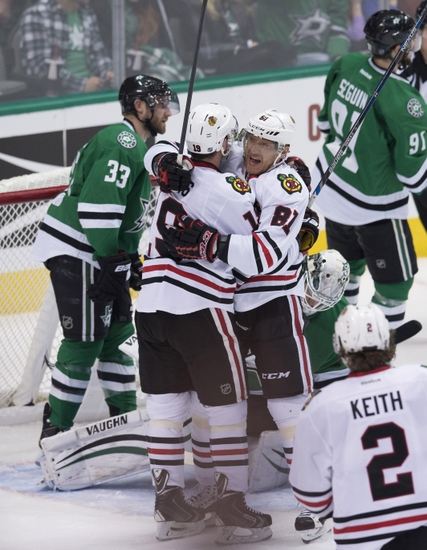 Jonathan-toews-marian-hossa-nhl-chicago-blackhawks-dallas-stars