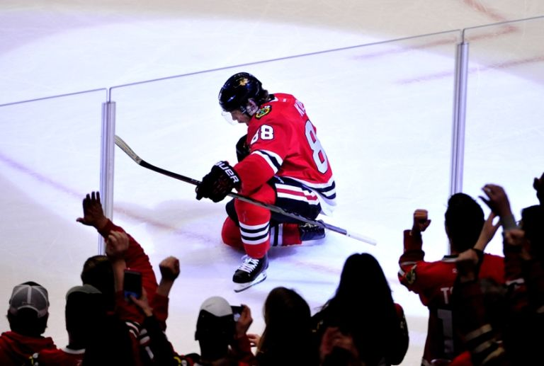 Patrick-kane-nhl-boston-bruins-chicago-blackhawks-768x517