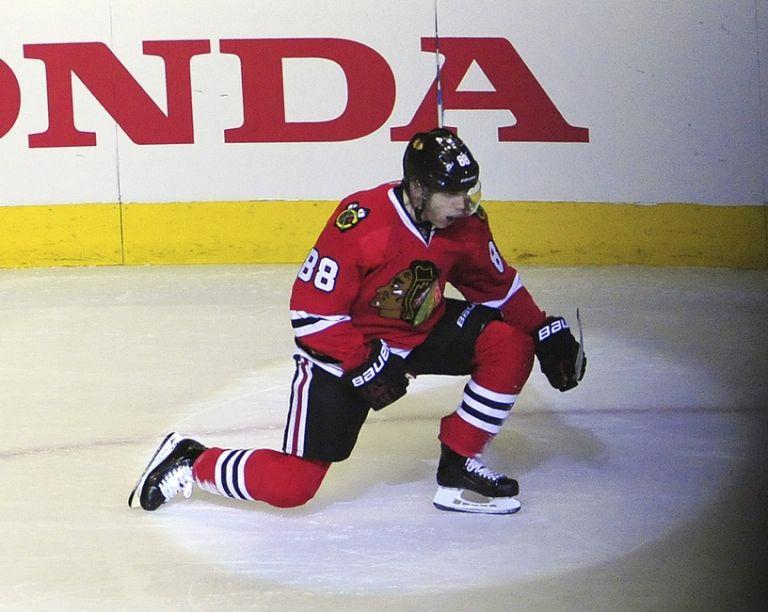 Patrick-kane-nhl-boston-bruins-chicago-blackhawks-768x612