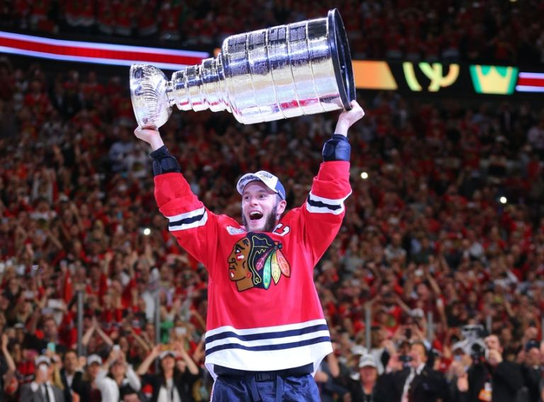 Jonathan-toews-nhl-stanley-cup-final-tampa-bay-lightning-chicago-blackhawks-768x568