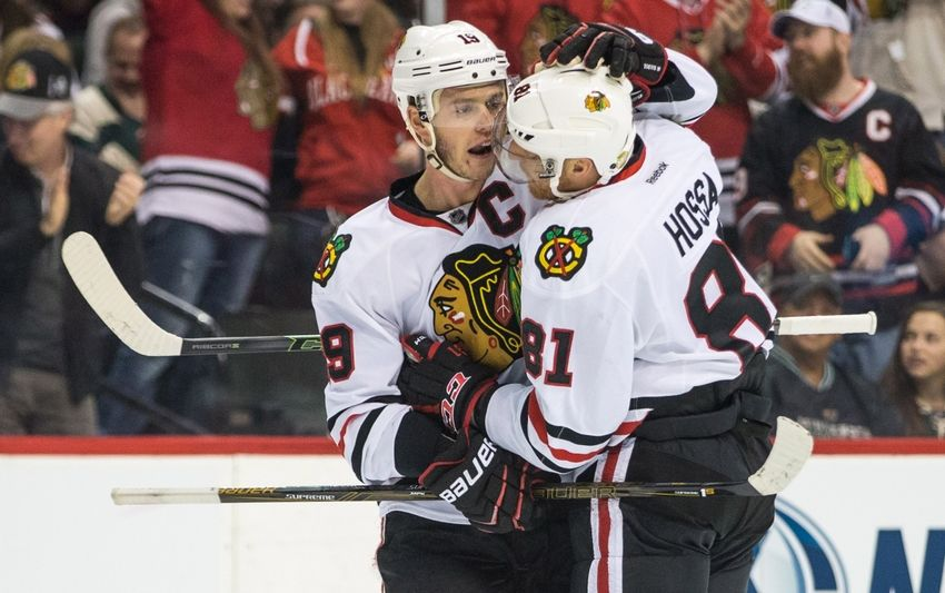9218017-marian-hossa-jonathan-toews-nhl-chicago-blackhawks-minnesota-wild-850x533