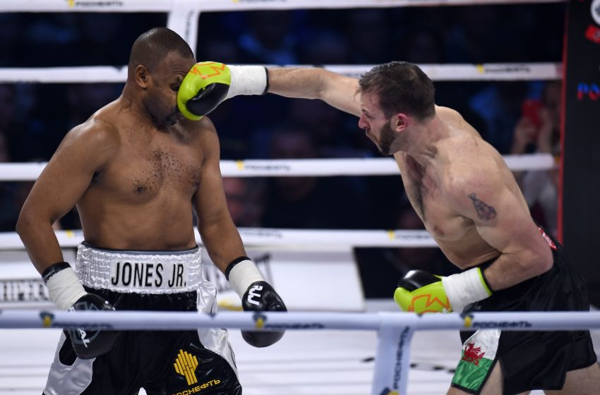 Roy Jones Jr. Challenges Any Fan to Fight for a $100000 Payday