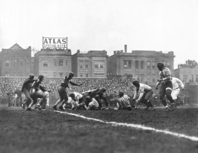 174225048-bears-are-1933-nfl-champions-768x593