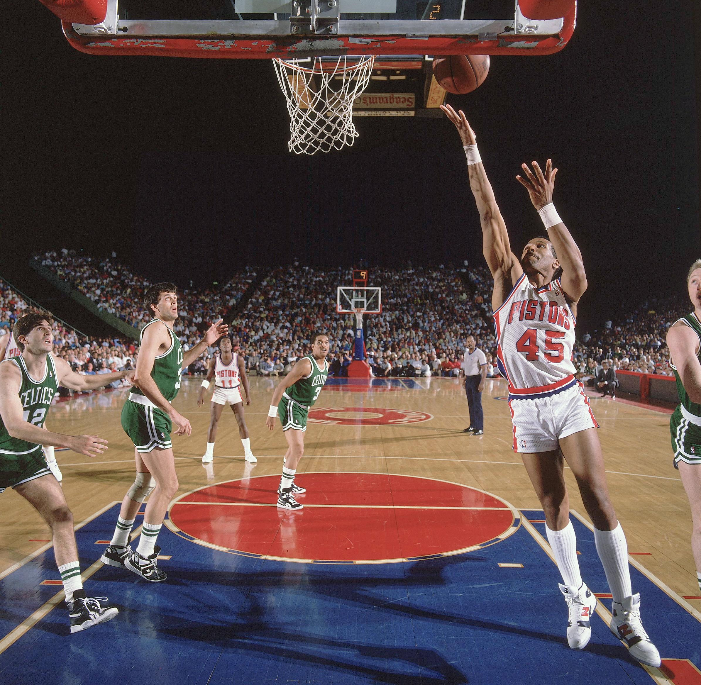 NBA: Top 10 Final Seasons For NBA Arenas