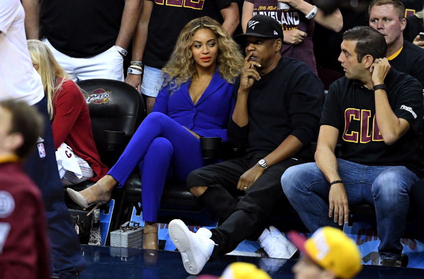 Beyoncé and Jay Z attend NBA Finals Game 6 (Photo)