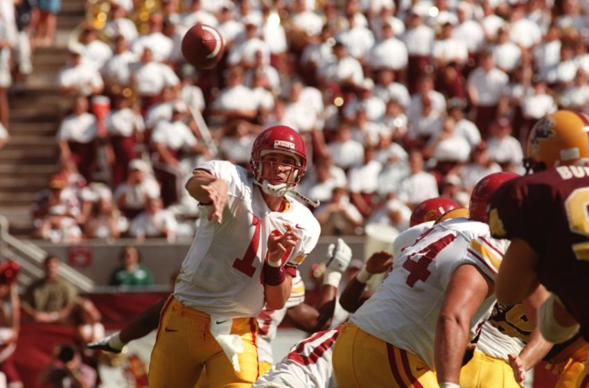 19 Oct 1996: Quarterback Brad Otton of USC throws a pass during the Trojans 48-35 loss to Arizona State at Sun Devil Stadium in Tempe, Arizona. Mandatory Credit: Brandon Lopez/ALLSPORT