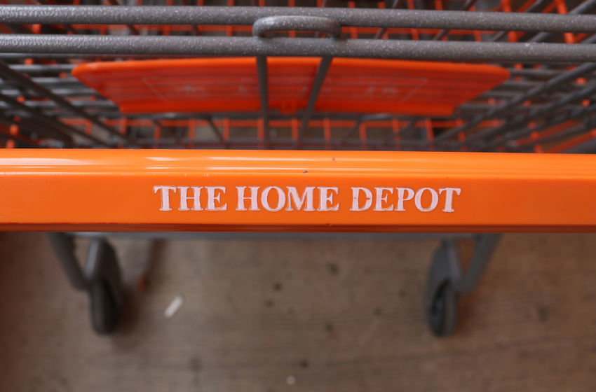 4th of july hours 2016 is home depot open