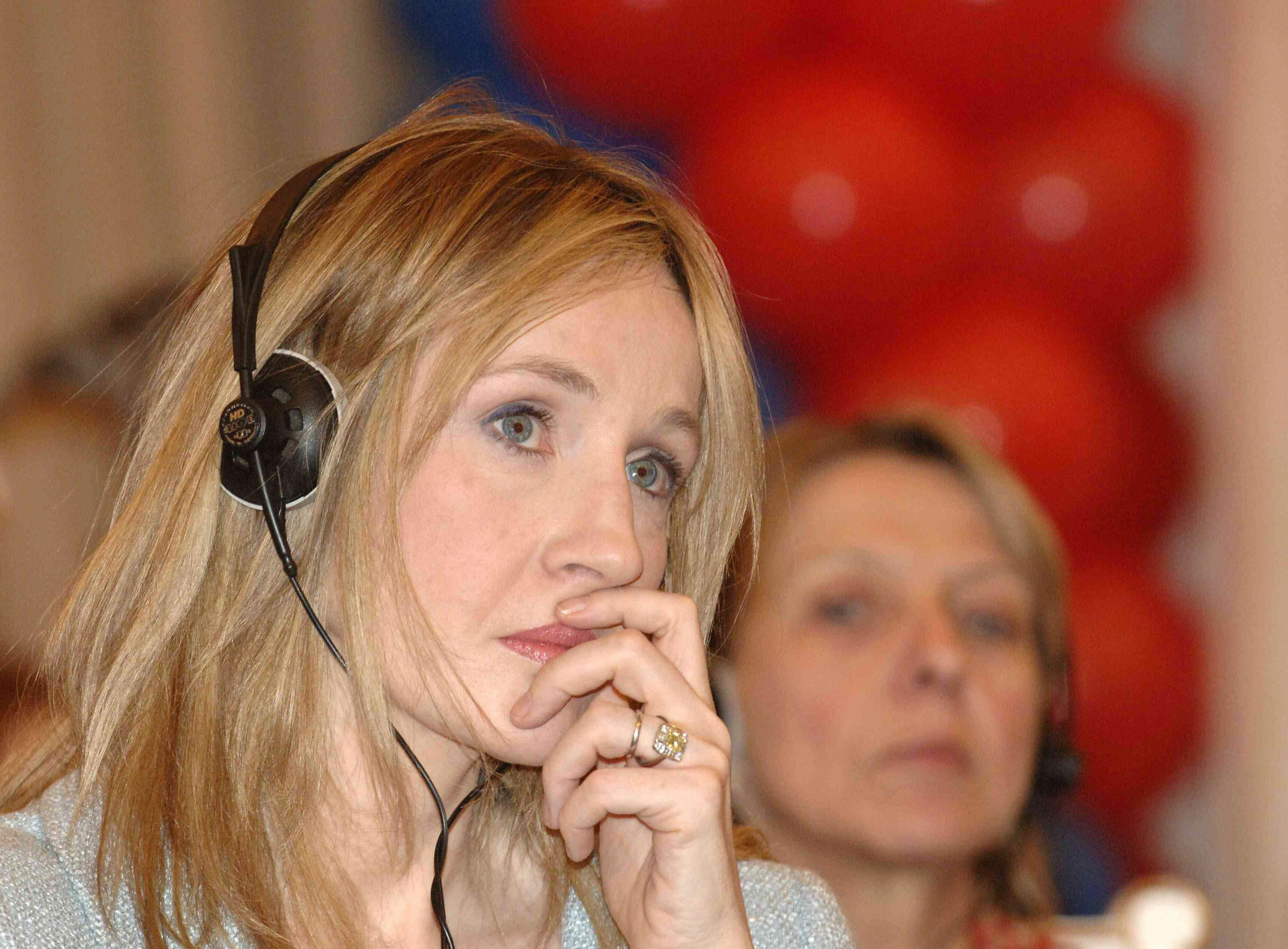 JK Rowling took part in the creation of a theatrical production by Harry Potter 06/28/2015 98