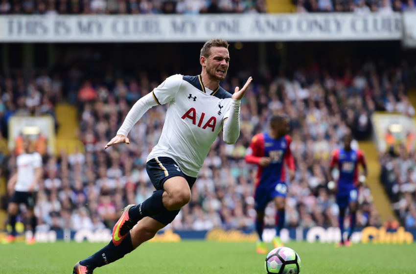 LONDON, ENGLAND - AUGUST 20: Vincent Janssen of Tottenham Hotspur in action during the Premier League match between Tottenham Hotspur and Crystal Palace at White Hart Lane on August 20, 2016 in London, England. (Photo by Alex Broadway/Getty Images)