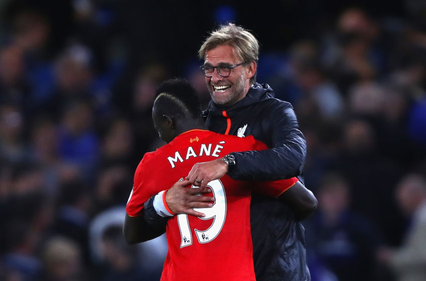 LONDON, ENGLAND - SEPTEMBER 16: Sadio Mane of Liverpool and Jurgen Klopp, Manager of Liverpool celbrate victory in the Premier League match between Chelsea and Liverpool at Stamford Bridge on September 16, 2016 in London, England. (Photo by Clive Rose/Getty Images)