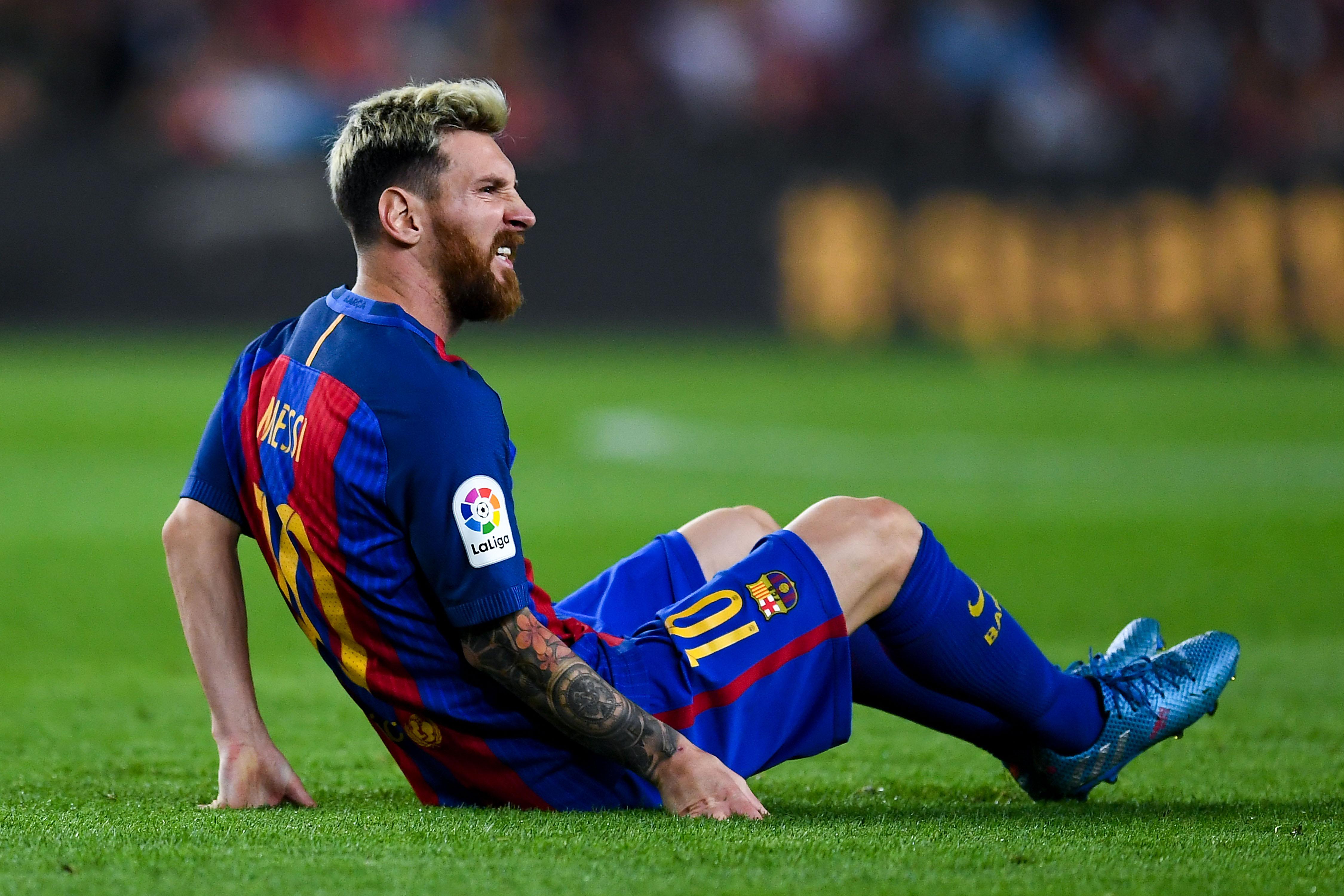 Sporting gijon vs barcelona live stream watch la liga online for Club de fumadores barcelona