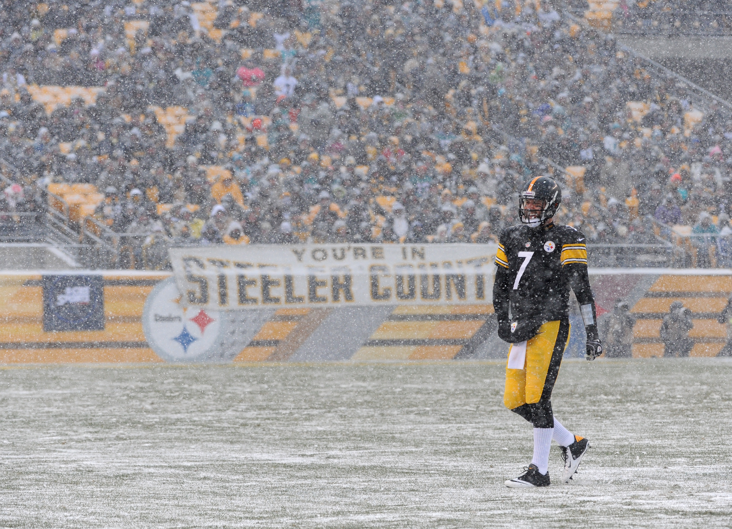 PITTSBURGH, PA - DECEMBER 8: Quarterback Ben Roethlisberger