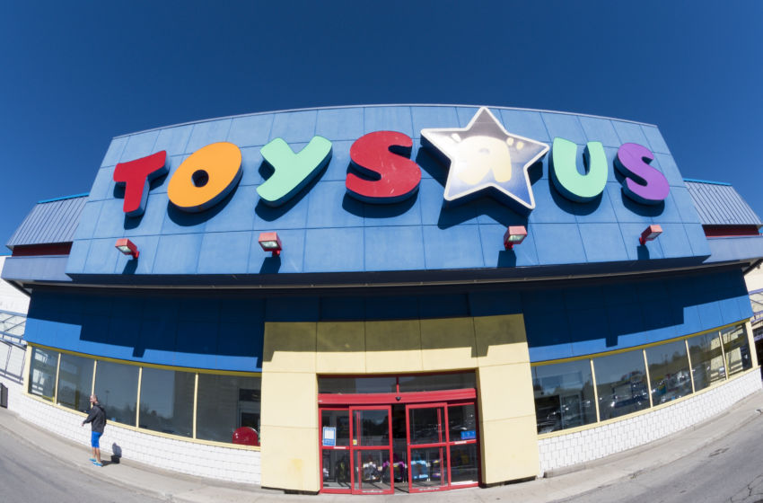 Toys R Us Store : Black friday what are the toys quot r us hours