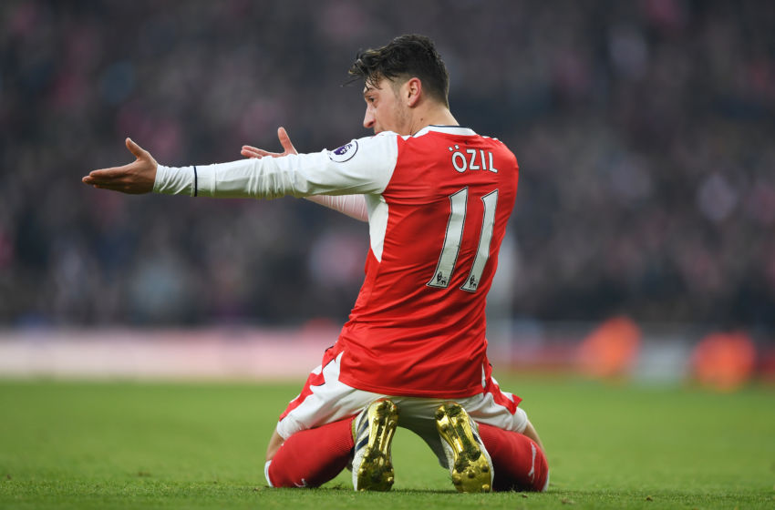 Arsenal: Dele Alli Can't Even Sit At Same Table As Mesut ...