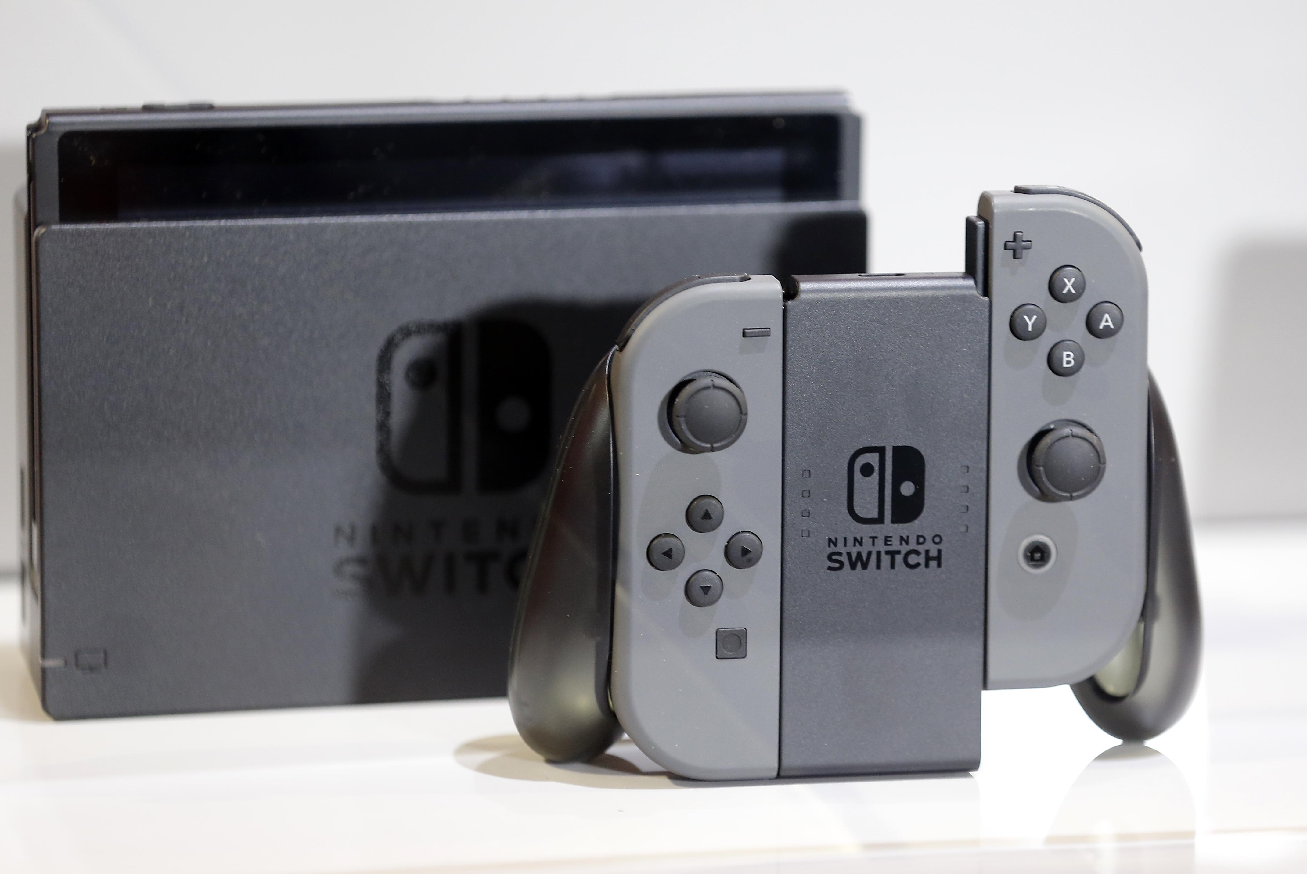 Nintendo Switch midnight release events: Best Buy, GameStop