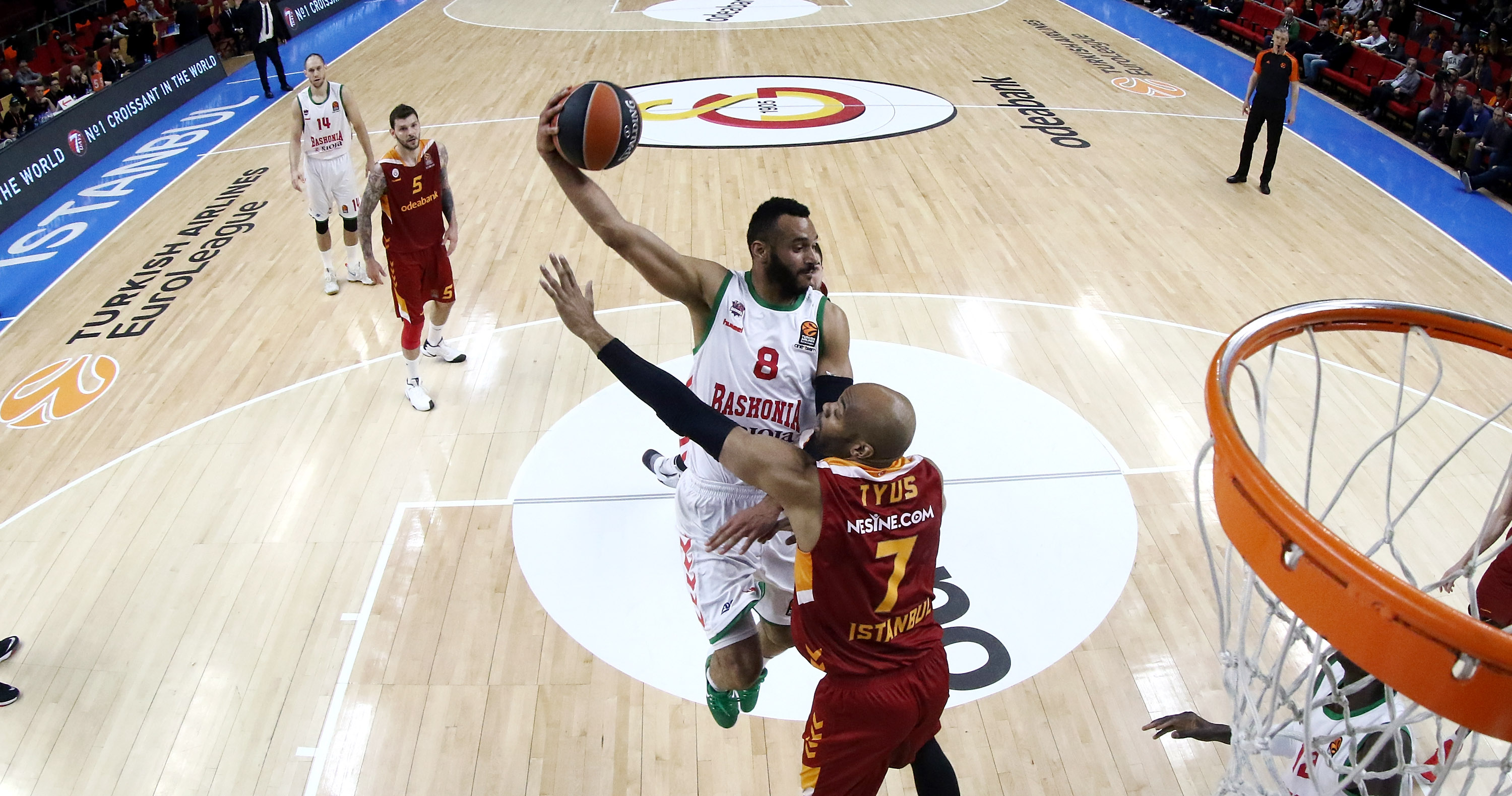 661780564-galatasaray-odeabank-istanbul-v-baskonia-vitoria-gasteiz-20162017-turkish-airlines-euroleague.jpg