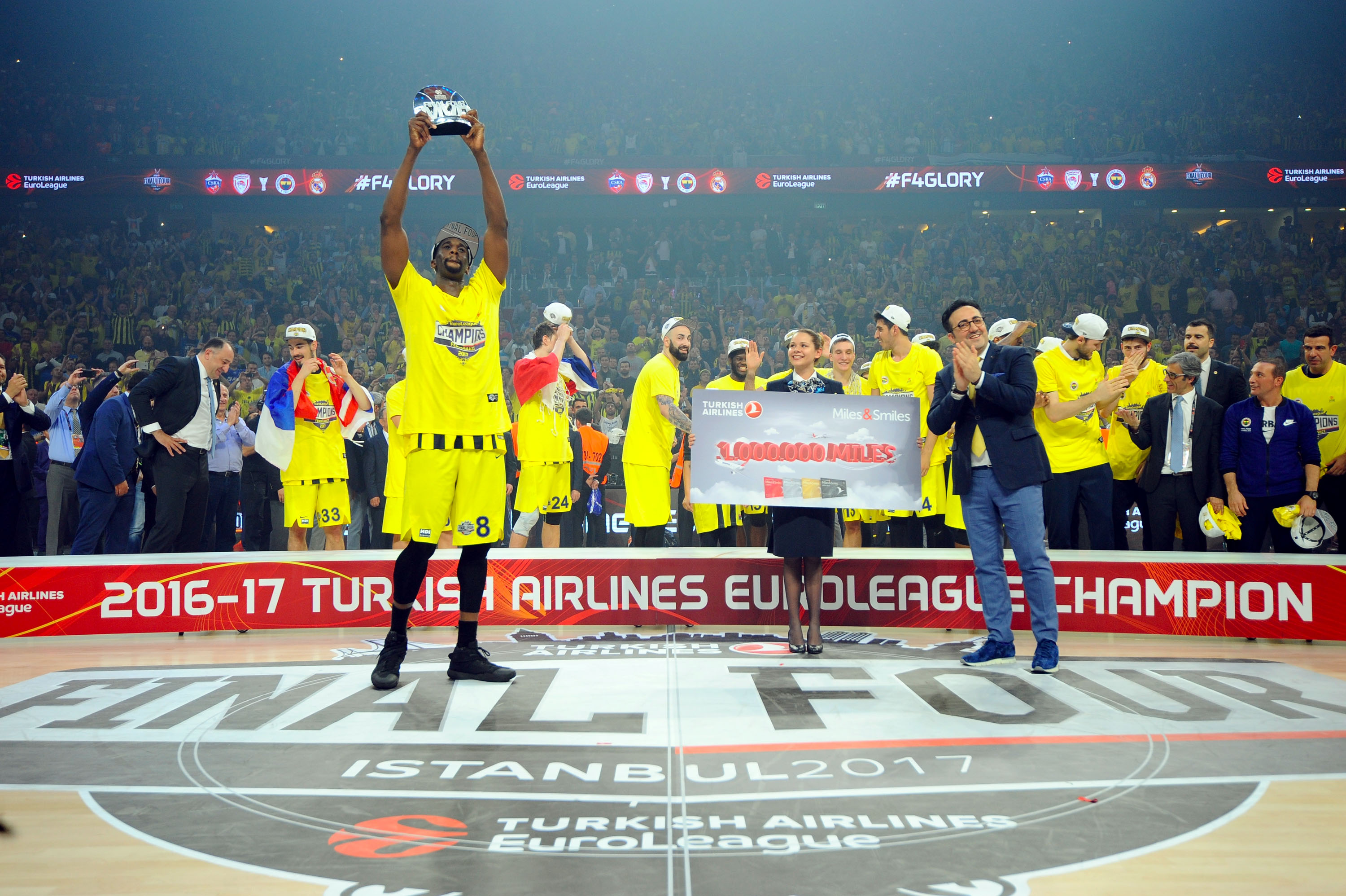 686542294-turkish-airlines-euroleague-champion-trophy-ceremony-2017-final-four-istanbul.jpg