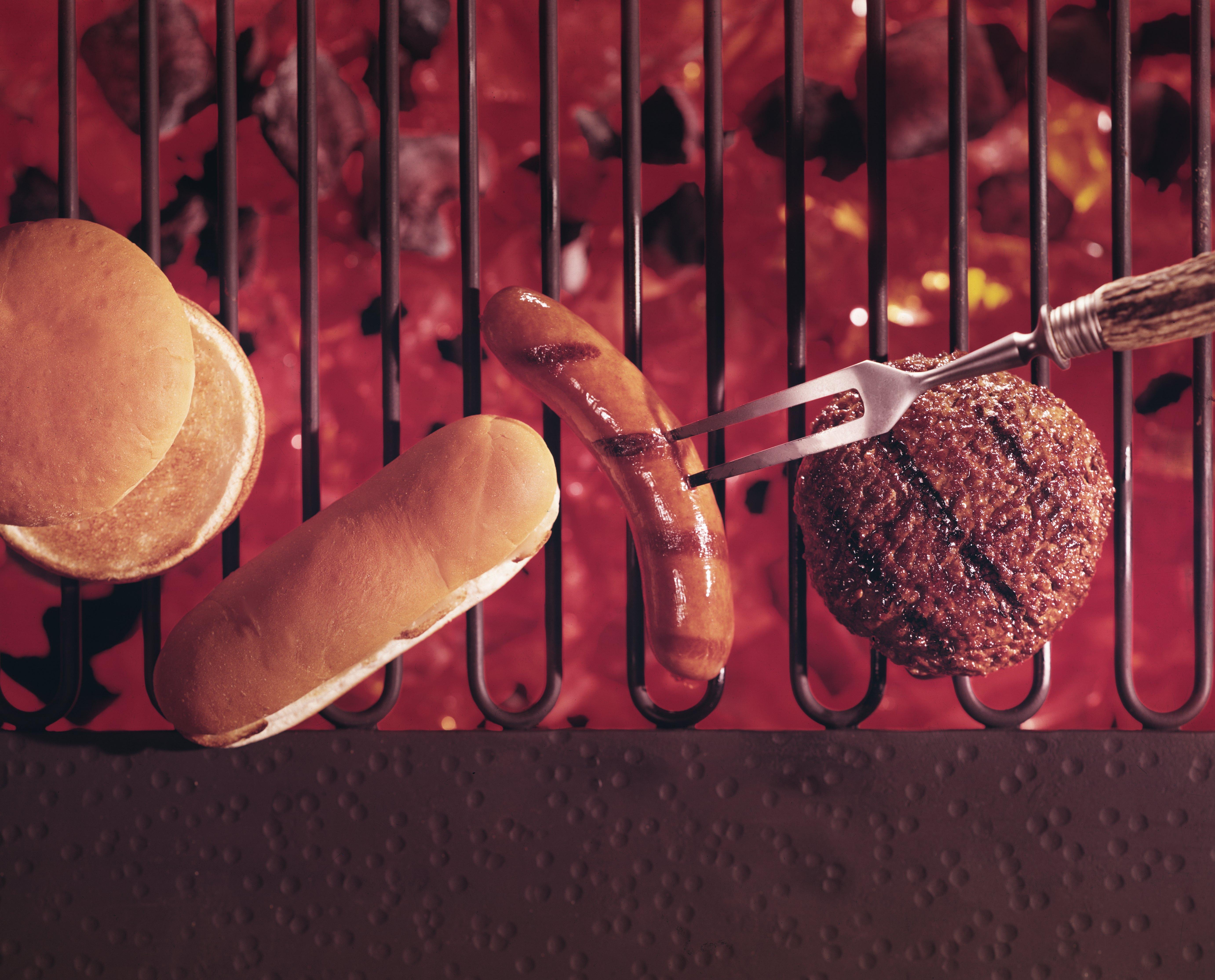 95922223-hamburger-and-hot-dog-on-the-grill.jpg