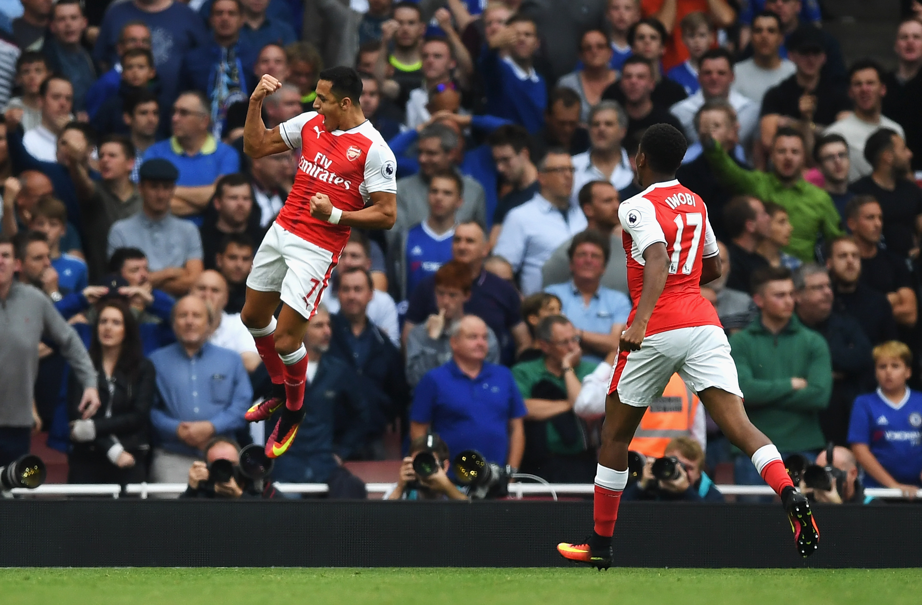http://cdn.fansided.com/wp-content/uploads/getty-images/2017/06/610109272-arsenal-v-chelsea-premier-league.jpg.jpg