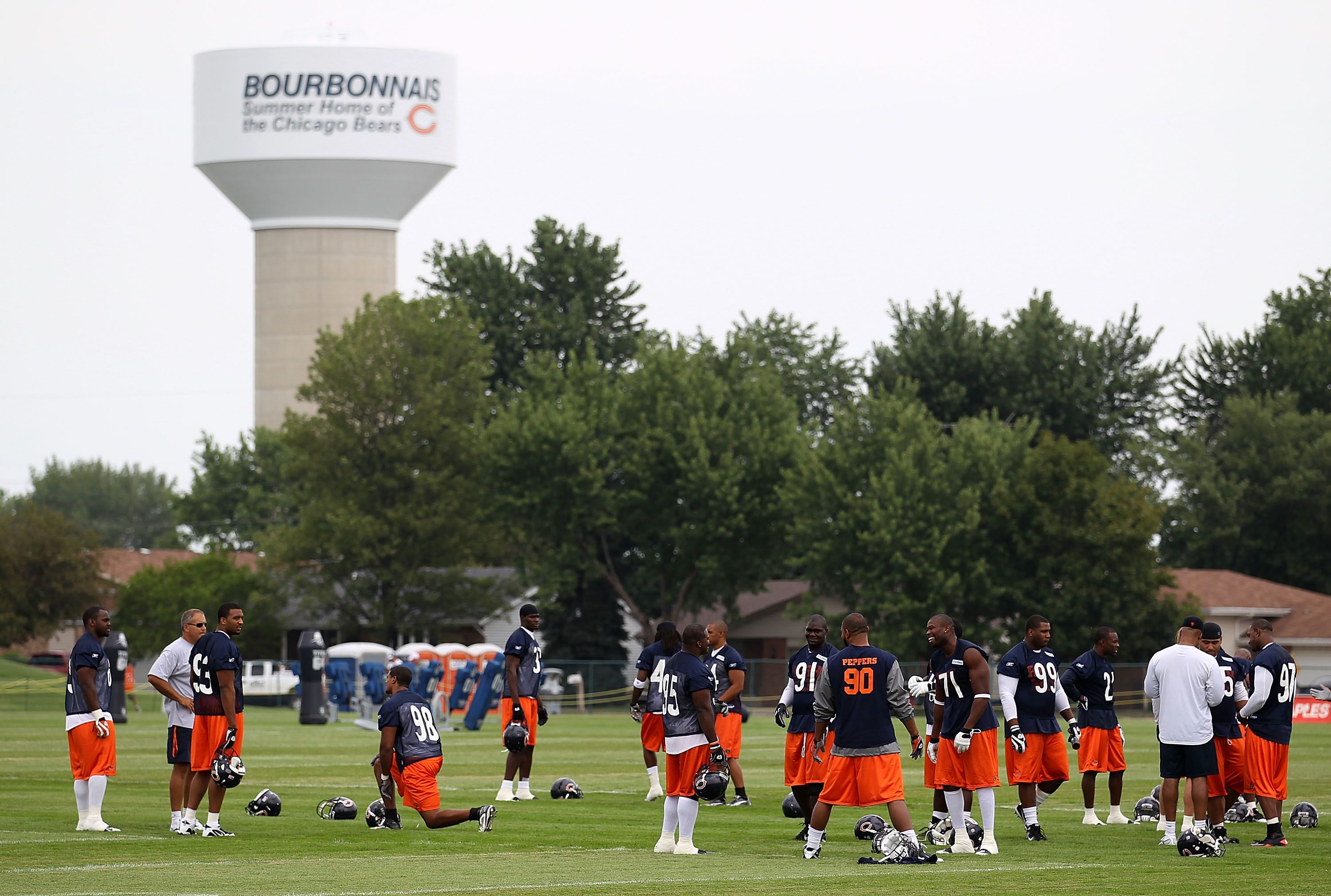 103175051-chicago-bears-training-camp.jpg