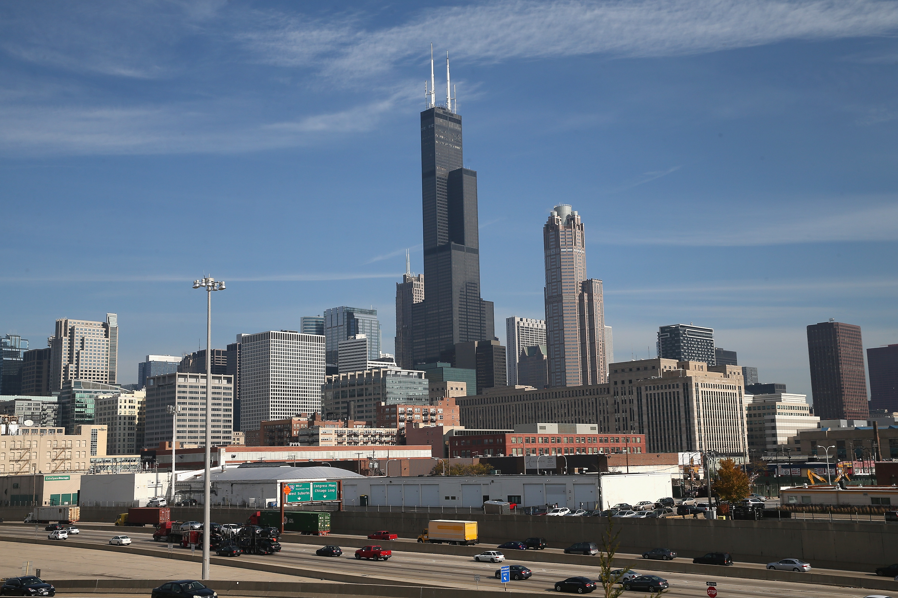 187387234-organization-meets-to-settle-tallest-building-debate-between-one-world-trade-and-willis-tower.jpg