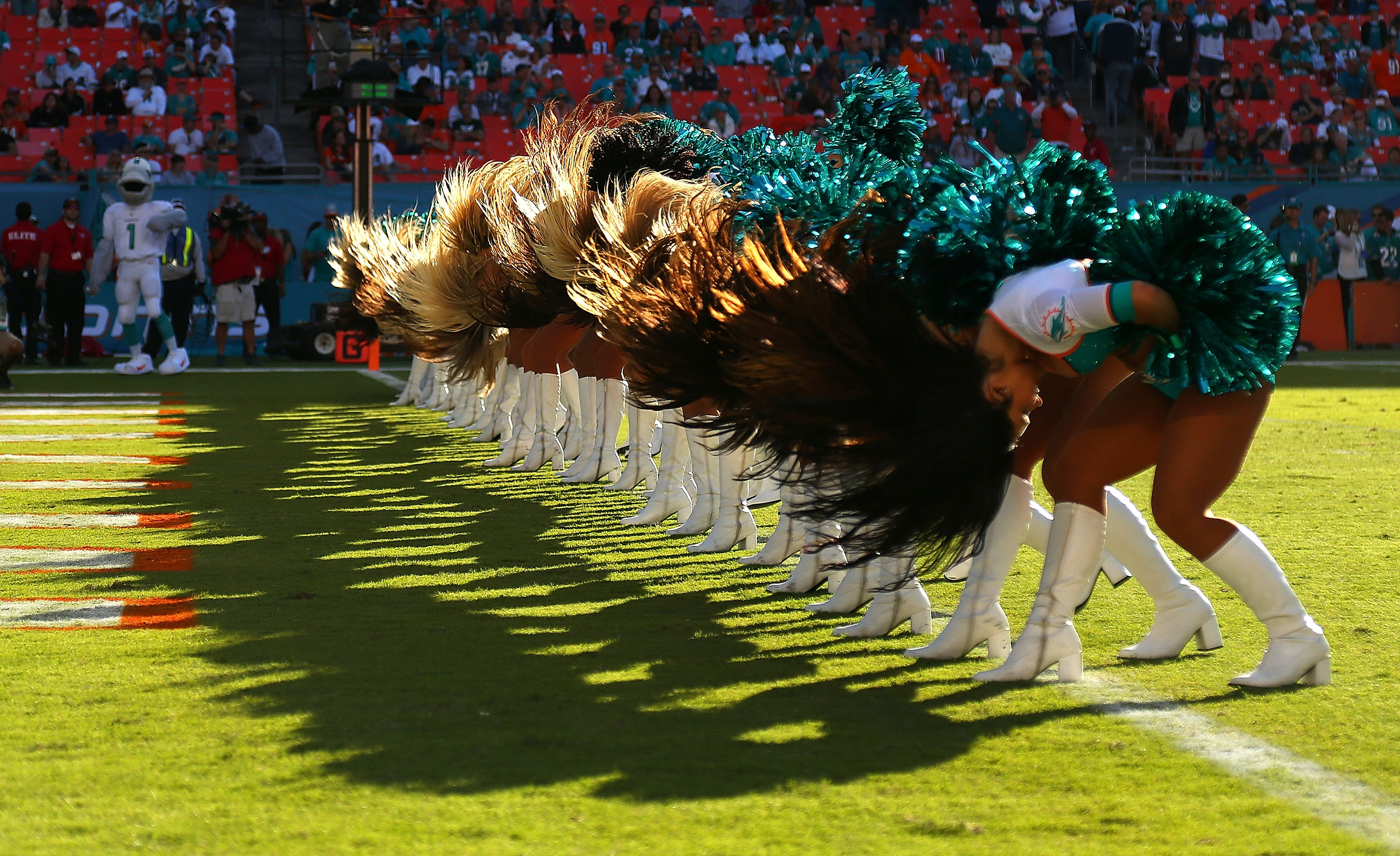 458293480-san-diego-chargers-v-miami-dolphins.jpg