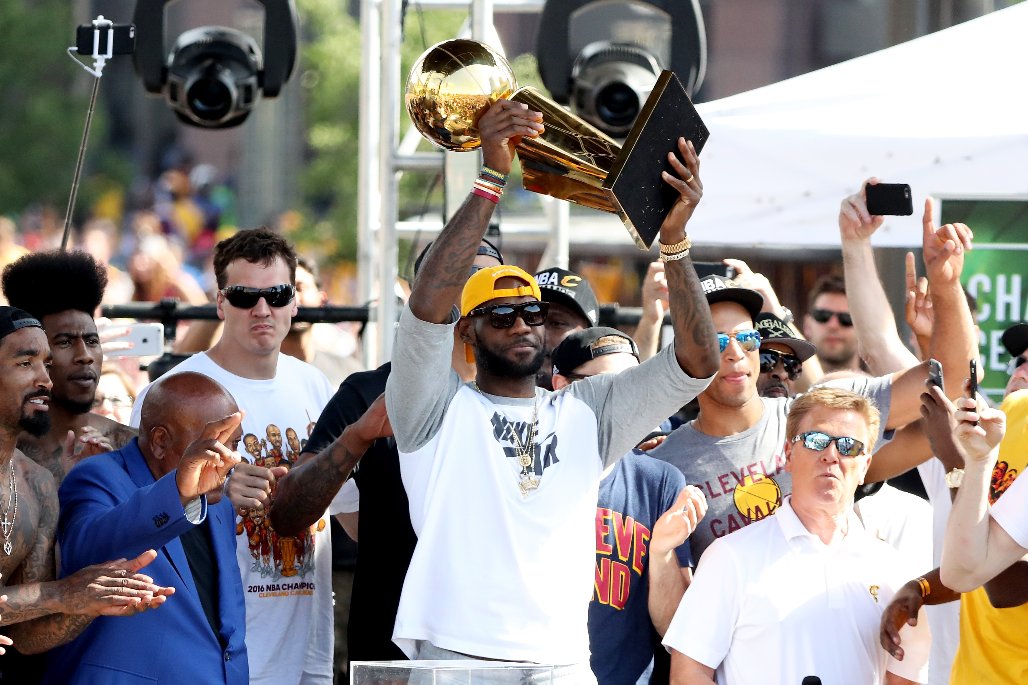542161646-cleveland-cavaliers-victory-parade-and-rally.jpg
