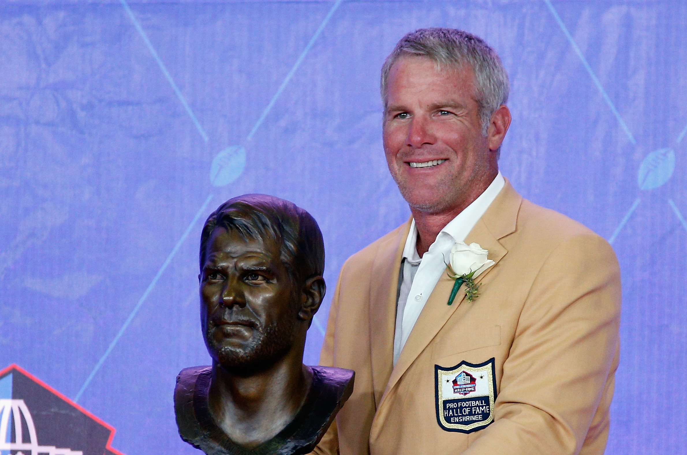586858684-nfl-hall-of-fame-enshrinement.jpg