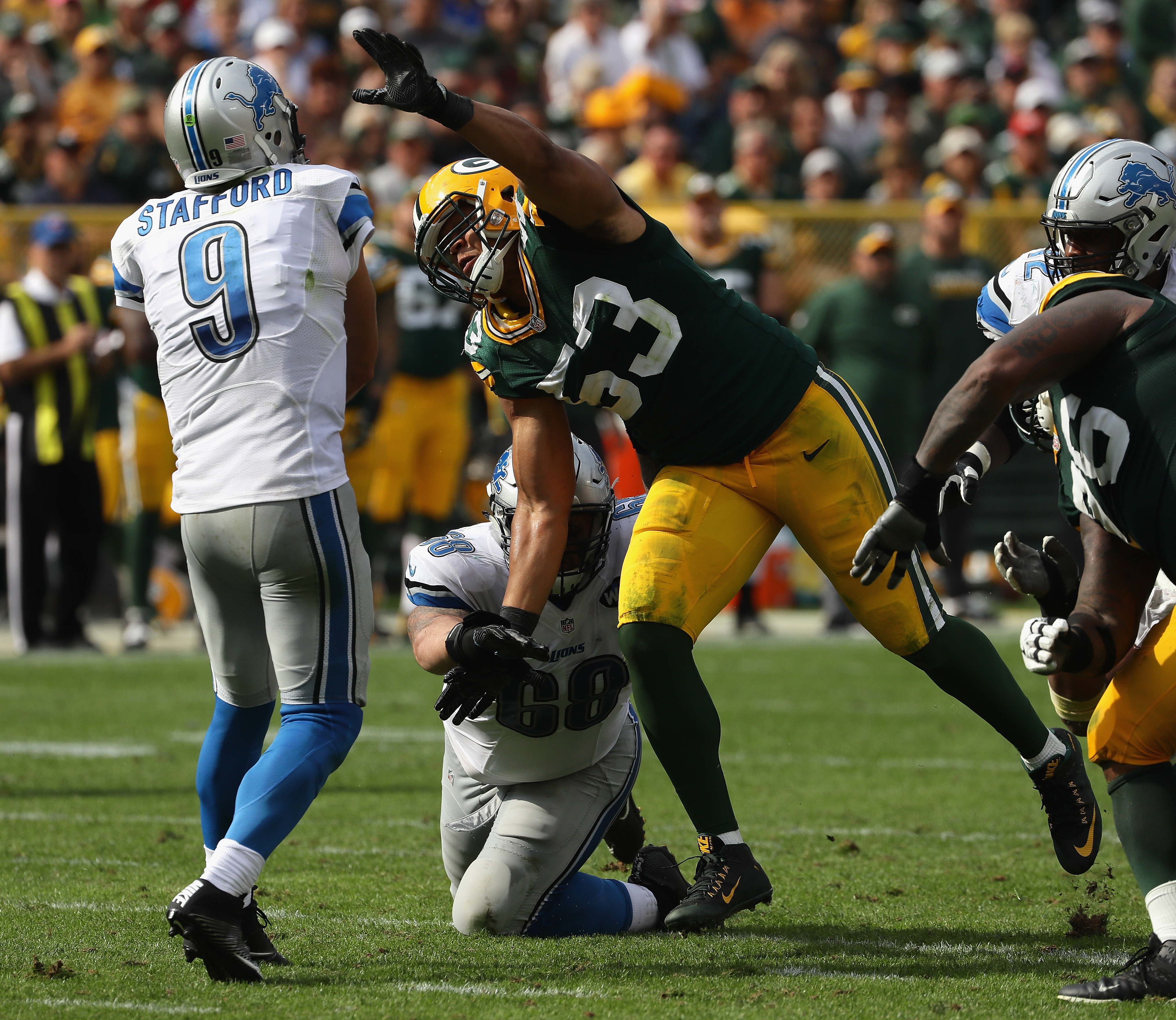 610696594-detroit-lions-v-green-bay-packers.jpg