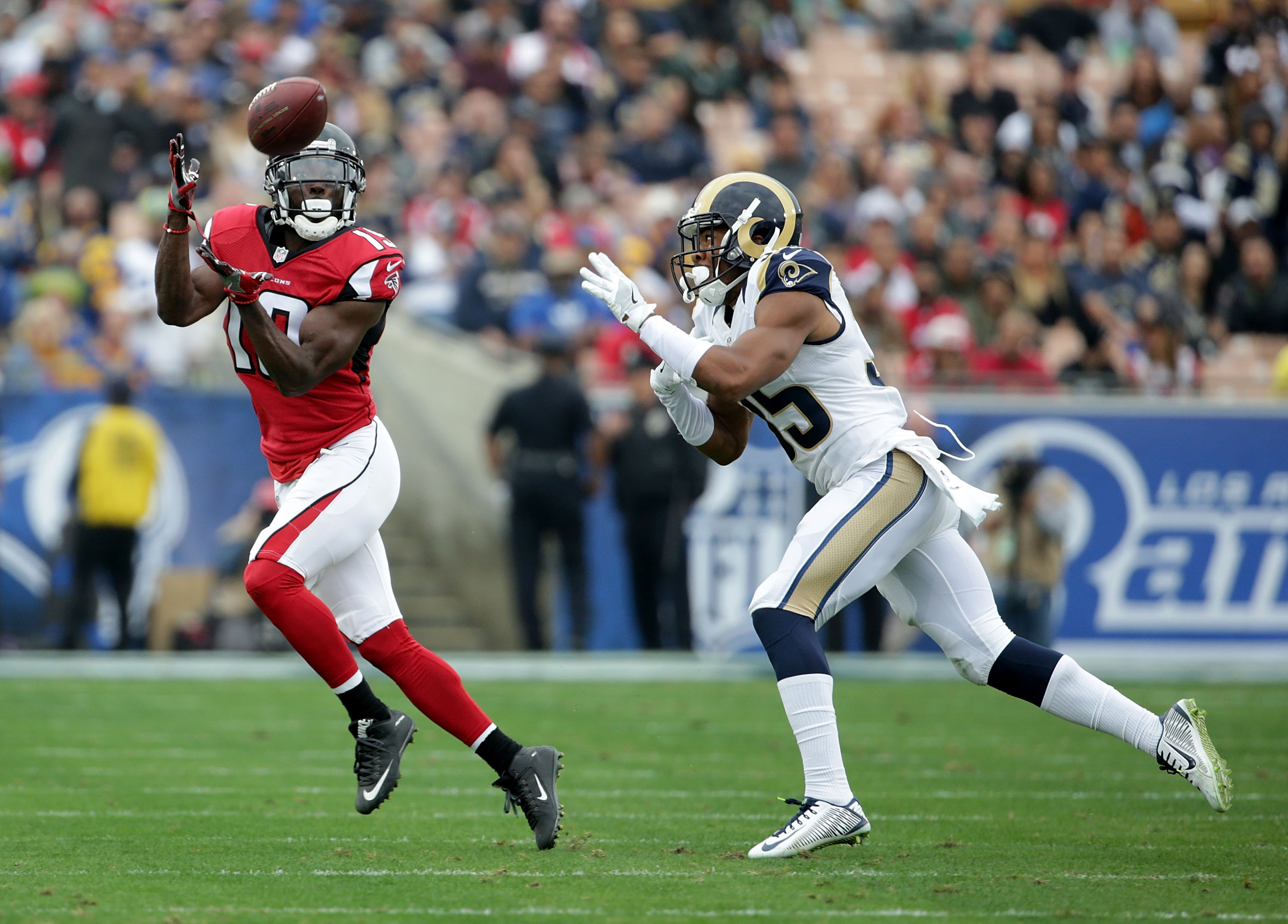 629176010-atlanta-falcons-v-los-angeles-rams.jpg