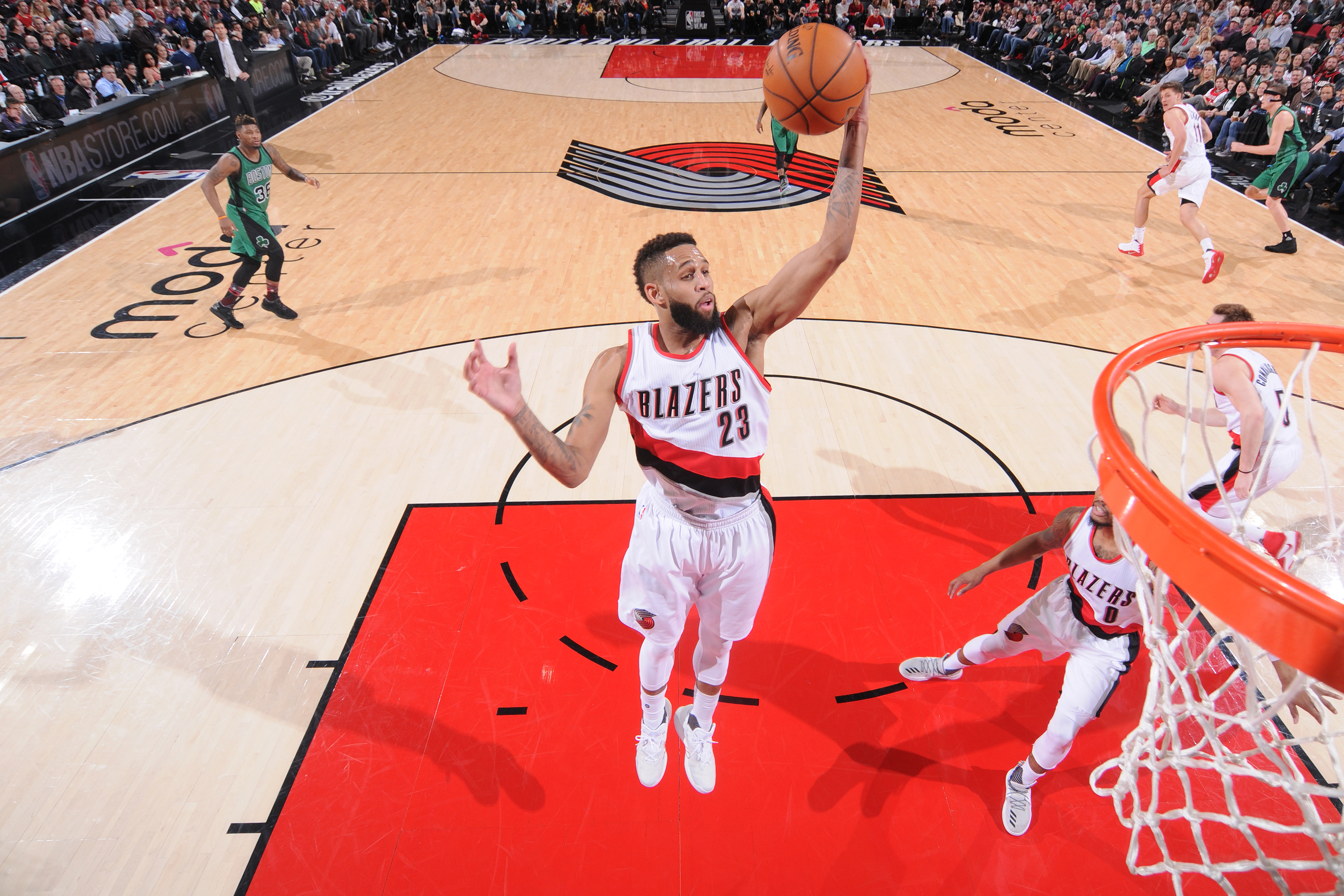 Nets acquire Crabbe from Blazers for Nicholson