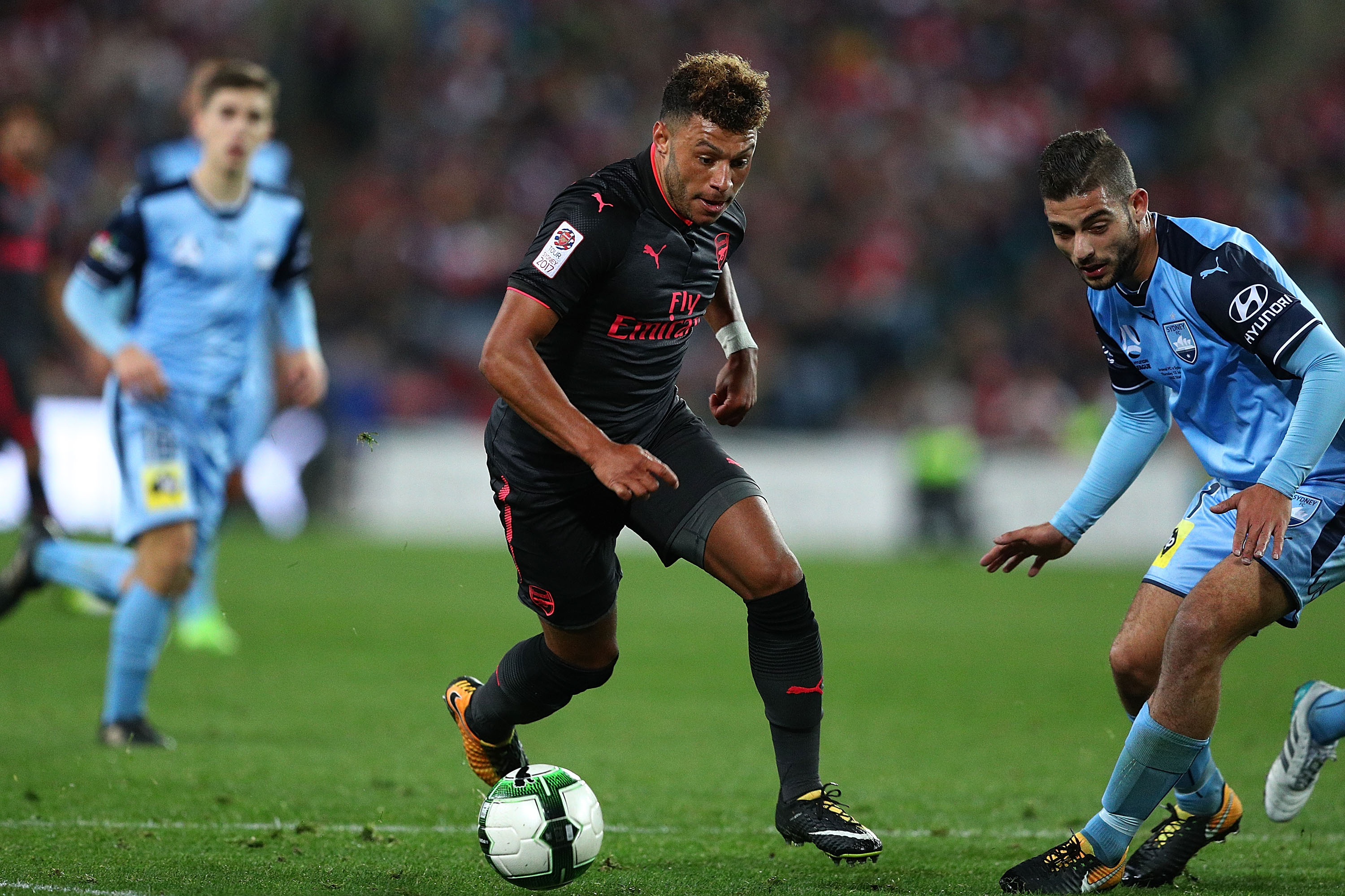 Chelsea and Liverpool target Alex Oxlade-Chamberlain ready to quit Arsenal